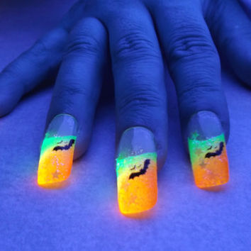 BioLumiNails - Yellow/Orange Bat - halloween, glow in the dark, fake nails, gift for teens, halloween, unique