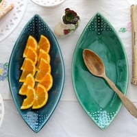 Teardrop Leaf Platter - Geometric Dot Design - 8 Color Choices - Green Blue Yellow White - Modern Home Decor - MADE TO ORDER