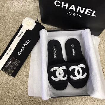 CHANEL  Plush casual slippers