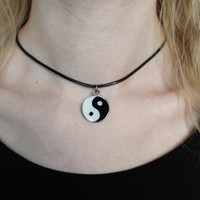 YIN YANG NECKLACE : Choker, Yin Yang Pendant, Tumblr, 90's Grunge, Alien, Black and White