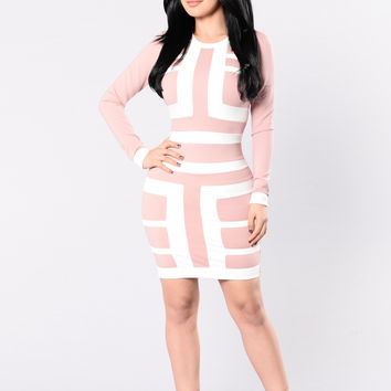 Shake It Up Dress - Mauve/White