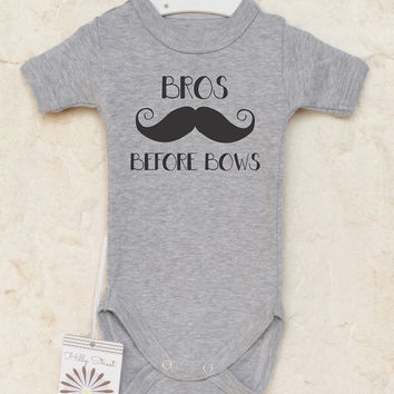 Bros Before Bows Baby Shirt. Cute Baby Boy Clothes with Mustache Graphic. Funny And Adorable Baby Boy Bodysuit. Hipster Baby Outfit.