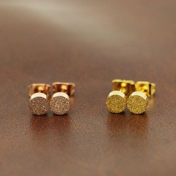 Titanium steel grinding small gold bean ear nail girl simple round table top earring girl rose gold earring.