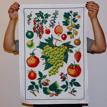 Beautiful patterned cotton towel white/ Russian linen / table runner / Grapes strawberries fruit Autumn Tea Towel Hand Towel / Kitchen Decor