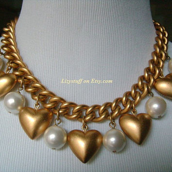 ANNE KLEIN Haute Couture Matte Satin Finish Gold Tone Chunky Cuban Link With Puffed Hearts and Faux Pearls Lovely Charm Necklace HUGE 216.9g