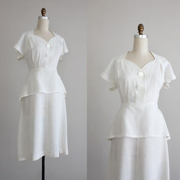 linen peplum dress / white linen dress / 1940s peplum dress
