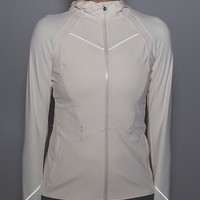 rain-on train-on jacket | women's jackets | lululemon athletica