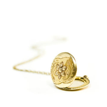 Antique Gold Flower Locket  Necklace /  Victorian Era 12K Gold Filled Round Pendant Signed Bates & Bacon