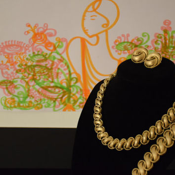 Vintage Trifari Jewelry set 1960's Necklace, Earrings and Bracelet gold tone