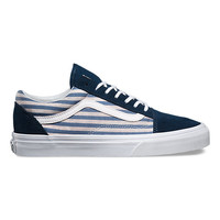 Stripes Old Skool | Shop Womens Shoes at Vans