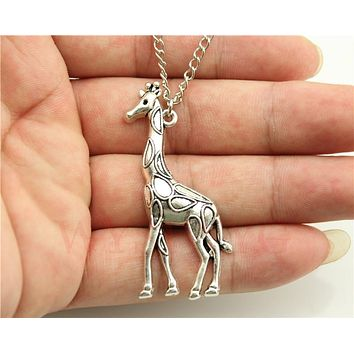 Fashion simple antique silver tone Giraffe pendant necklace