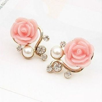 New Fashion 18K Gold Plated Cute Sweet Rose Shaped Artificial Pearl and Diamond Stud Earrings for Women Ladies Girls