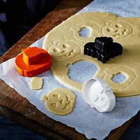 Halloween 3-in-1 Surprise Cookie Cutters Set