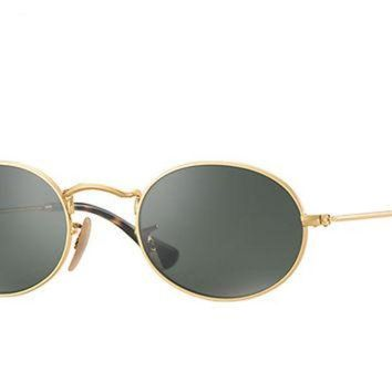 Look who's looking at this new Ray-Ban Oval Flat Lenses