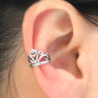 Vintage Crown Ear Cuff  from http://www.looback.com/