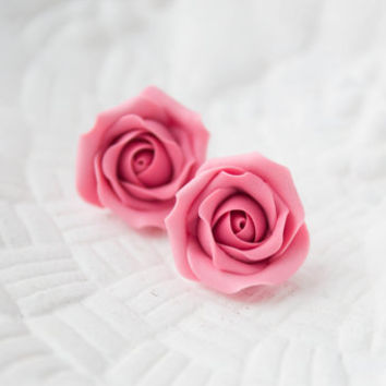 Hand sculpted  flowers Rose earrings (earstuds), pink rose, hypoallergenic studs