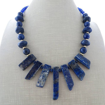 Blue gemstone necklace, lapis lazuli necklace, chunky choker, spike necklace, beaded necklace, modern jewelry, italian jewelry, gioielli