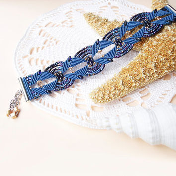 Micro macrame bracelet - Dark Blue Gold Unique