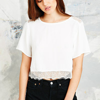 Pins & Needles Lace Hem Crop Top in Cream - Urban Outfitters