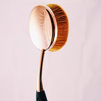 Luxe Large Oval Makeup Brush (Rose Gold, Big Size) - Single Brush Perfect for Flawless Foundation BB Cream Highlight Powder Blush and Skincare Face Applications (Large, Rose Gold)
