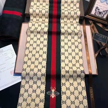 GUCCI 2018 winter new embroidered bee striped jacquard thick warm scarf