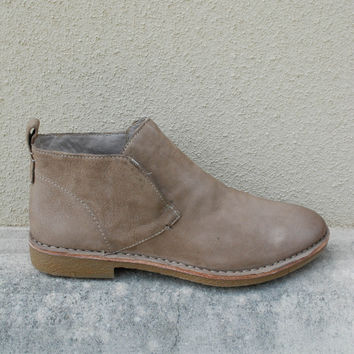 Dolce Vita - Findley Burnished Ankle Bootie - Taupe