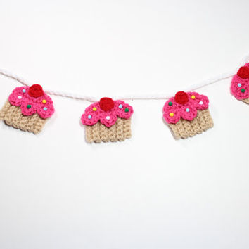 Crochet Cupcake Garland, Summer Bunting, Birthday Party Decor, Kitchen Wall Decoration, Nursery Room Wall Hanging