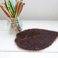 Wool felt leaf, vase doily, fabric lined, vase coaster, brown leaf, felted wool, wedding present, housewarming gift, woodland decor