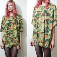 90s ARMY CAMO Tshirt Vintage GRUNGE Military Camouflage Jersey Slouchy Oversized 1990s vtg Top L