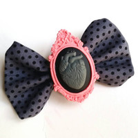 Spring Anatomical Heat Cameo Bow
