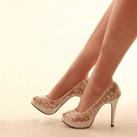 Match Your Wedding Outfit New Luxury Handmade Beautiful White Lace Flower Wedding Bridal Shoes Peep Toe Kitten Heel Bride Shoes