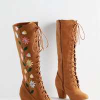 Darling You Grow, Girl! Boot