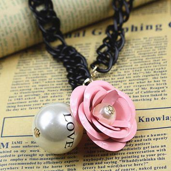N652 Hyperbole Big Love Pearls Flower Pendant Necklace Women Chokers Necklace Clavicle Collares