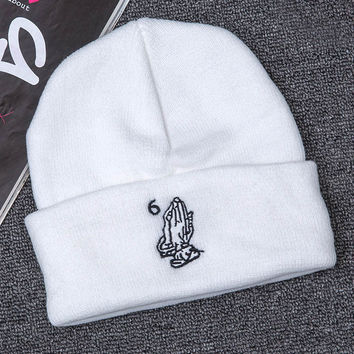 Unisex White Drake OVO Six 6 God 6ix Warm Woolen Hats Praying Hands Together Pray Europe Retro Knit Hat Winter Outdoor Warm Woolen Skullies Beanies