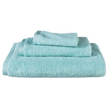 Room Essentials™ Fast Dry Solid 3-pc. Bath Towel... : Target