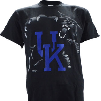 UK Highlight on a Short Sleeve Black T Shirt