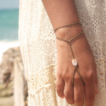 Slave Bracelet Hand Bracelet Piece Hipster Bronze Chain Bohemian One Mother Pearl Bead Two Strand Hand Jewelry