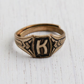 Vintag Letter K Signet Ring - Retro Art Deco Style Initial Name Gold Tone Black Enamel Adjustable Costume Jewelry / Capital K
