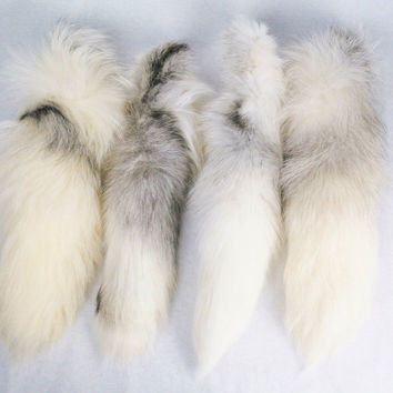 "17""-19"" Platinum Real Fox Fur Tail Totem Keychain Key Ring Key Fob for Purse, Anime Costume, Etc"