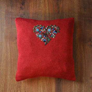 red heart pillow cover / knit accent pillow cover / embroidery throw pillow / knitted decorative pillow