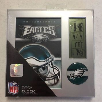 DCCKIHN BRAND NEW PHILADELPHIA EAGLES DESK CLOCK SHIPPING