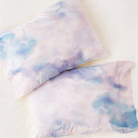 Chelsea Victoria For DENY Unicorn Marble Pillowcase Set | Urban Outfitters