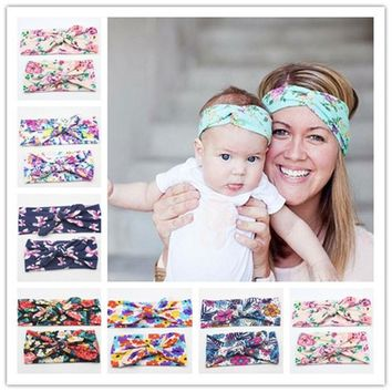 New Mommy and Me Matching Turban Headband Set Fashion Boho Floral Topknot Head Wrap for Mom and Baby Gifts 2pcs/set