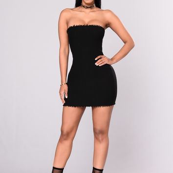 Evocative Knit Tube Dress - Black