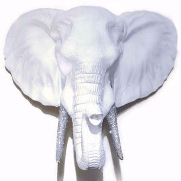 Elephant - Wall Mount - White With Silver Glitter Tusks