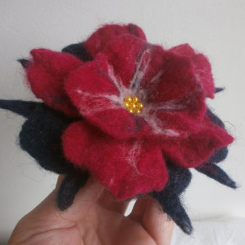 Flower brooch,Blue Red Felt flower brooch,felt pins poppy brooch,hat accessories,red flower pin,wool, felt, art,red brooch,felted jewellery