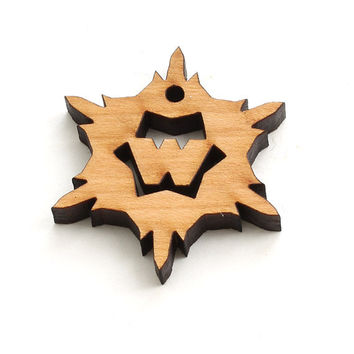 Mini Snowflake Wood Monogram Tie-on - Letter W - Sustainable Wisconsin Wood . Timber Green Woods