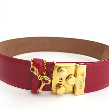 Moschino Redwall Vintage Red Patent Leather Belt With Gold Buckle And Key Pendant Size 42