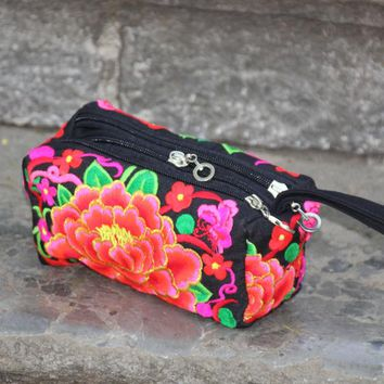 National trend embroidery bag fabric coin purse embroidered Handbag multi-layer zipper bag day clutch bag for women