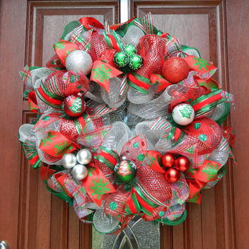 Christmas in July Sale - Deco Mesh Christmas Wreath - Silver Red Green Mesh Wreath - Holiday Wreath - Xmas - Traditional Christmas Decor